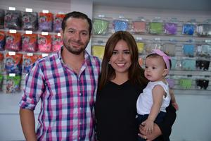 29072017 EN FAMILIA.  Edzon, Rocío y María.