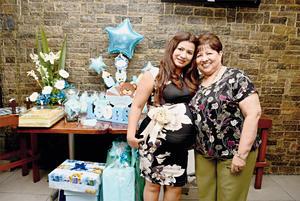 29072017 BABY SHOWER.  Dulce Lorena Escandón Rangel acompañada de su mamá, María Guadalupe Rangel de Jaquez.