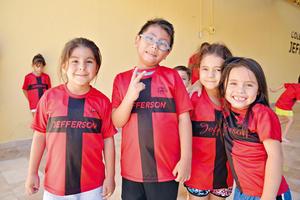 30072017 COMPAñEROS.  Elisa, Diego, Paula y Violeta.