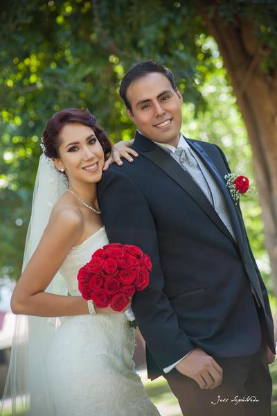 30072017 Edith Marisol Bañuelos León y Luis Mario López Moreno contrajeron matrimonio el 22 de julio a las 19:00 horas en la Parroquia Los Ángeles. - Jess Sepúlveda