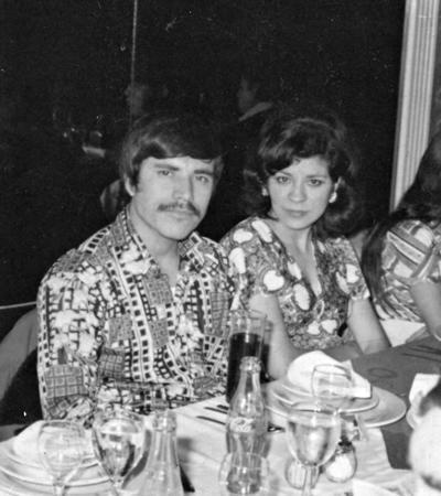30072017 Roberto de Anda y Guille Alcocer en diciembre de 1974.