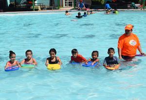 31072017 En la clase de natación.