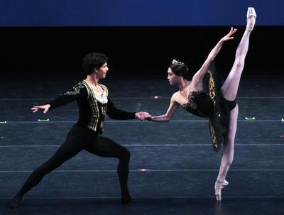 """La gala de ballet """"Despertares. Lo mejor del mundo en un mismo escenario"""" que se presentó la noche de este sábado en el Auditorio Nacional."""