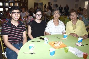 02082017 EN FAMILIA.  Alfredo, Martha, Gloria y Margarita.