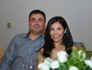 02082017 CONTENTOS.  Carlos y Martha.