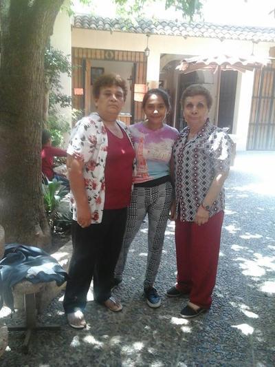 03082017 María Isabel, Valeria y María Estela.