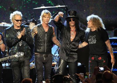 3. Guns N' Roses: 6.229.677 dólares, 101,95 dólares.