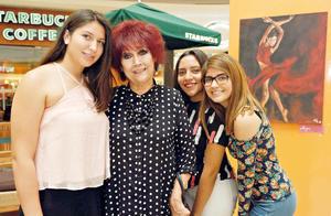 05082017 EN EXPO.  Sofía, Rosario, Alexa y Pamela.