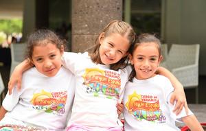 Anel, Isabella y Emma