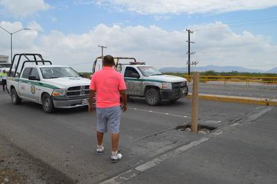 Más tarde arribó hasta la zona un contingente de la Dirección Obras Públicas.