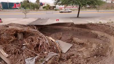 Mientras que Porragas Quintanilla indicó que desde hace una semana se señalizó el lugar para la precaución de los paseantes, Pablo Ramírez dijo que no habían sido notificados para realizar las reparaciones correspondientes.