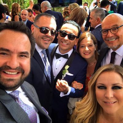 Amigos de Adal y de Karla compartieron vía redes sociales fotografías de la boda.