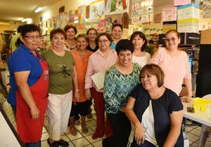 06082017 LA FOTO DEL RECUERDO.  Alumnas del Taller de Manualidades.