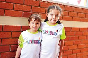 07082017 AMIGUITAS.  Sofía y Zoé.