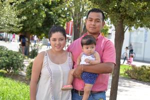 06082017 EN FAMILIA.  J. Manuel, Abigaíl y Victoria.