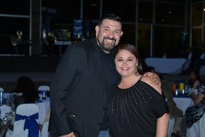 06082017 FELICES.  Absalom Ruiz y Lucy Olvera.