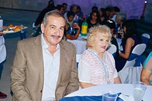 06082017 Carlos González Montemayor y Angélica Sánchez Álvarez.
