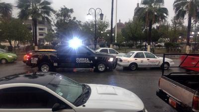 En Frontera, Castaños y Monclova se presentaron algunos daños menores, por lo que elementos de seguridad de Fuerza Coahuila, GATEM, y Mando Único Policial, brindaron apoyo a los ciudadanos.