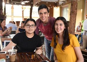 08082017 Sofía, Sebastián y Viri.