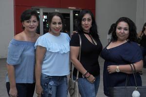 09082017 EN EL CONCIERTO DE YURIDIA.  Frida, Coco, Nuria y Haydée.