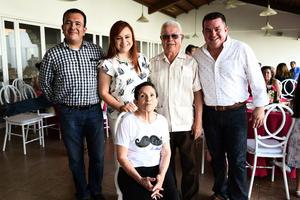 09082017 EN RECIENTE CELEBRACIóN.  Amparito Muñoz Mijares festejó su cumpleaños en compañía de su familia.