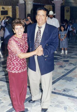 09082017 Amado Martínez Landa (f) y su esposa, María Teresa Fernández de Martínez, en evento social.