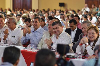 """Al ser cuestionado sobre la corrupción y el caso del exgobernador Javier Duarte, aceptó que """"algunos de los priistas han manchando la honorabilidad del Partido y por ello fueron expulsados""""."""