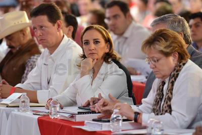 Previo al inicio, el coordinador de esta mesa temática, Mauricio Ortiz Proal, indicó que durante estos días de trabajo se votarán por dictámenes emanados de la base priista.