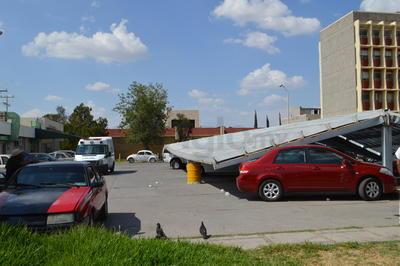 Seis vehículos quedaron atrapados.