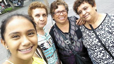 10082017 Valeria, Estela, Cuca e Isabel.