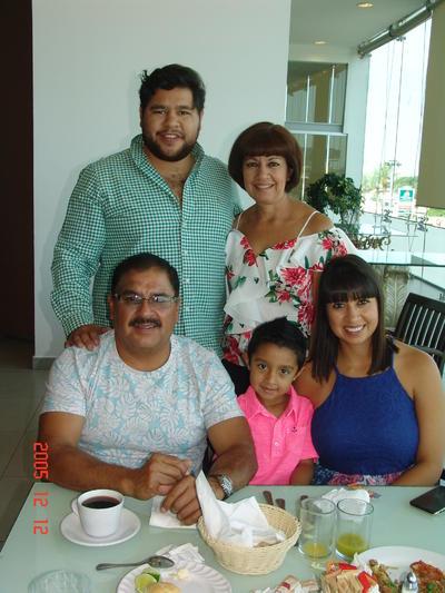 10082017 Santiago, Paty, Chago, Ale y Óscar