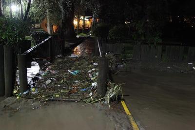 Reconocen las autoridades que de continuar lloviendo fuerte esta semana, el sábado y domingo permanecerá cerrado.