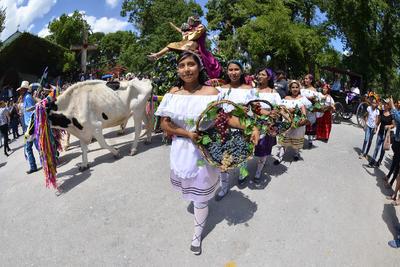 Tras arrancar ayer las actividades de celebración de la Fiesta de la Vendimia en Parras de la Fuente, el día de hoy continúan los festejos.