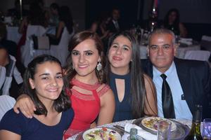 13082017 Nadia, Valeria, Daniela y Temo.