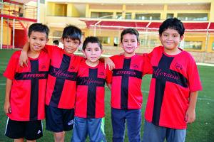 13082017 COMPAñEROS.  Sebastián, Santiago, Matías, André y Gabriel.
