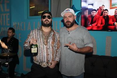 El Ezequiel con Bam Bam Hernández.