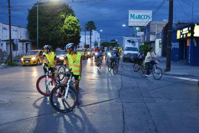 Después dirigió hacia las instalaciones del Tribunal de Justicia Municipal con la intención de que vieran la cantidad de ciclistas que participaron.