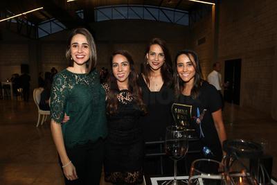 Albina, Jennifer, Paty y Mónica Gallegos.