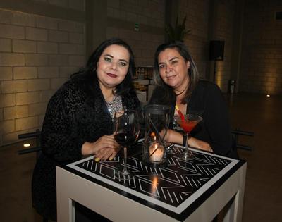 Alma Medina y Esmeralda Guzmán.