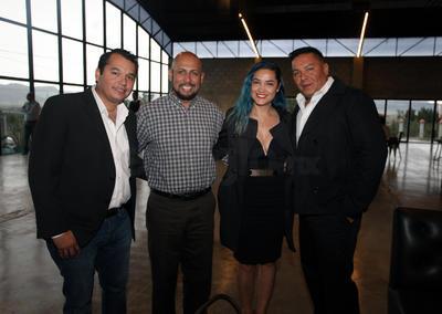 Alonso Escobedo, Osvaldo Balleza, Guadalupe Castañón y José Luis Cabrera.