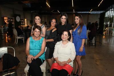 Antonieta Chalita, Silvia Camara, Karime Matar, Yamile Matar, Carolina Cámara y Michelle Matar.