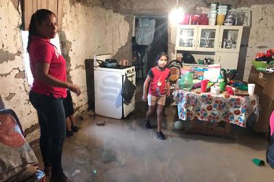 Son alrededor de 10 familias las que fueron evacuadas de las casas que presentaron mayores daños. Los afectados fueron trasladados al albergue del DIF de Ceballos.