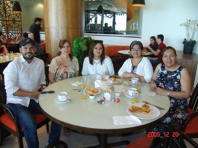 17082017 Jonathan, Norma, Norma, Cristina y Alma.
