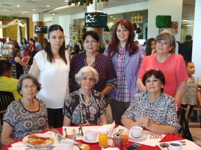 17082017 Familia Elías.