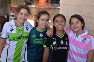 17082017 Mina, Sara, Sanna, Andrea y Luisa.