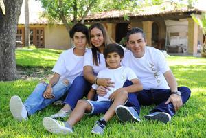 17082017 Fabiola, Miguel, Santiago y Miguel.