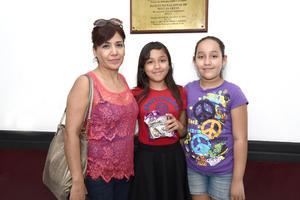 18082017 Adriana, Darina y Mariana.