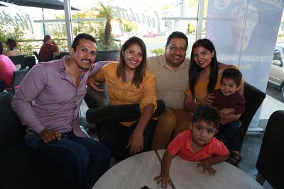 Familia Lobatos Fuentes.