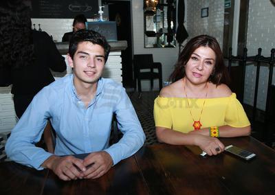Iván y Lourdes.