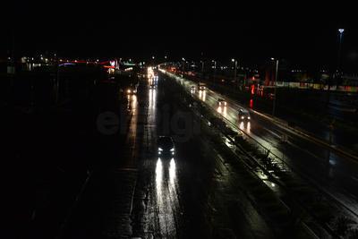 El Periférico Raúl López sufrió encharcamiento e inundaciones a la altura del Puente el Campesino y a la altura de la feria.